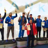 Победитель и призеры индивидуальной гонки в дисциплине