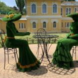 Впечатления выходного дня: зеленые фигуры на Курортном проспекте Кисловодска
