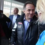 Наталия Гарт и Виталий Мутко на олимпийской санно-бобслейной трассе в Сочи