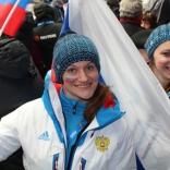 Наталья Хорева и Екатерина Батурина поддерживают коллег по сборной
