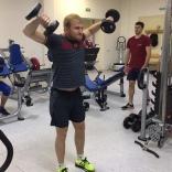 Владислав Антонов на силовой тренировке