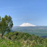 В ясную погоду можно увидеть Эльбрус