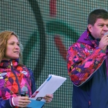 Ведущие праздника Мария Киселева и Дмитрий Губерниев