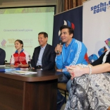 Альберт Демченко на Олимпийском уроке с участием президента ОКР Александра Жукова