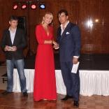 Наталия Гарт награждает трехкратного Олимпийского вице-чемпиона Альберта Демченко