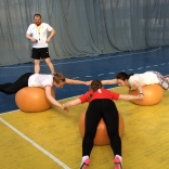 Упражнения на координацию на фитболах