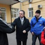 Случайная встреча министра спорта Виталия Мутко со сборной России по санному спорту