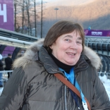 Участница Олимпиады в Саппоро 1972 Наталья Омшева болеет за коллег